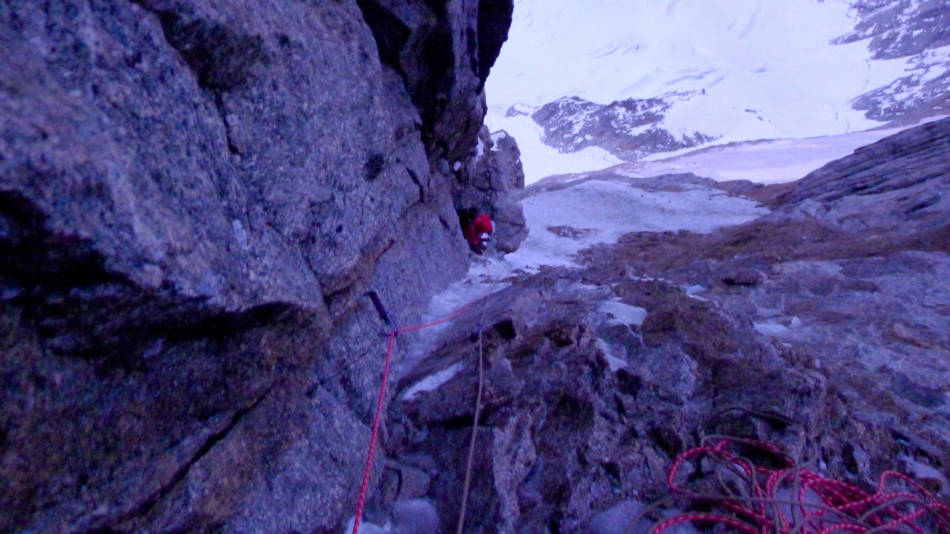 Scrappy climbing as the weather comes in, © Ally Swinton