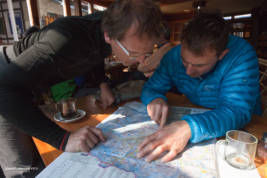 Simone and Ueli discuss acclimatisation tactics in the bakery in Namche Bazar