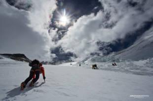 Ueli climbing up the Lhotse Face