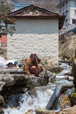 Washing clothes in Namche Bazar