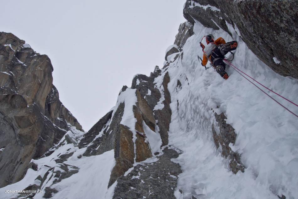 Tom sending high up