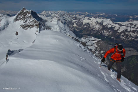 Ueli arrives at the summit of the Monch