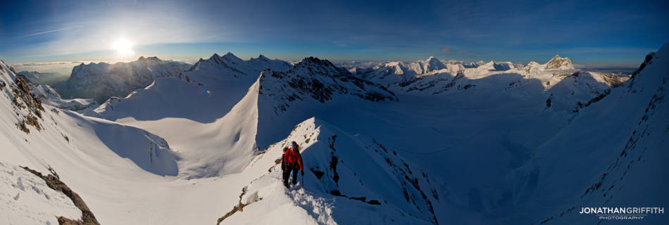 Pano of the SE ridge of the Monch