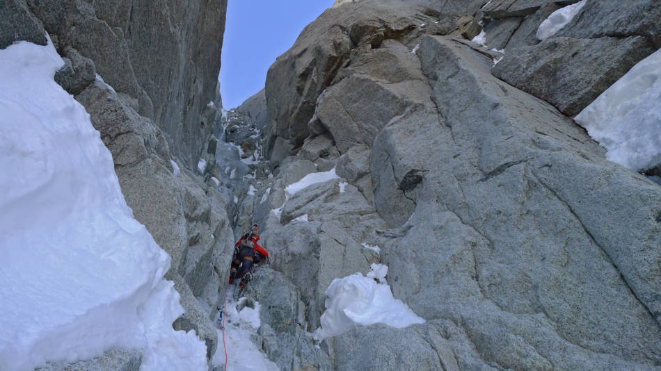 On the first crux pitch- dry...very dry. © Ally Swinton